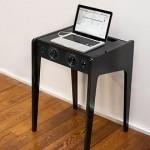 高級感溢れるこの机の正体は?