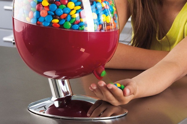 motion_activated_candy_dispenser